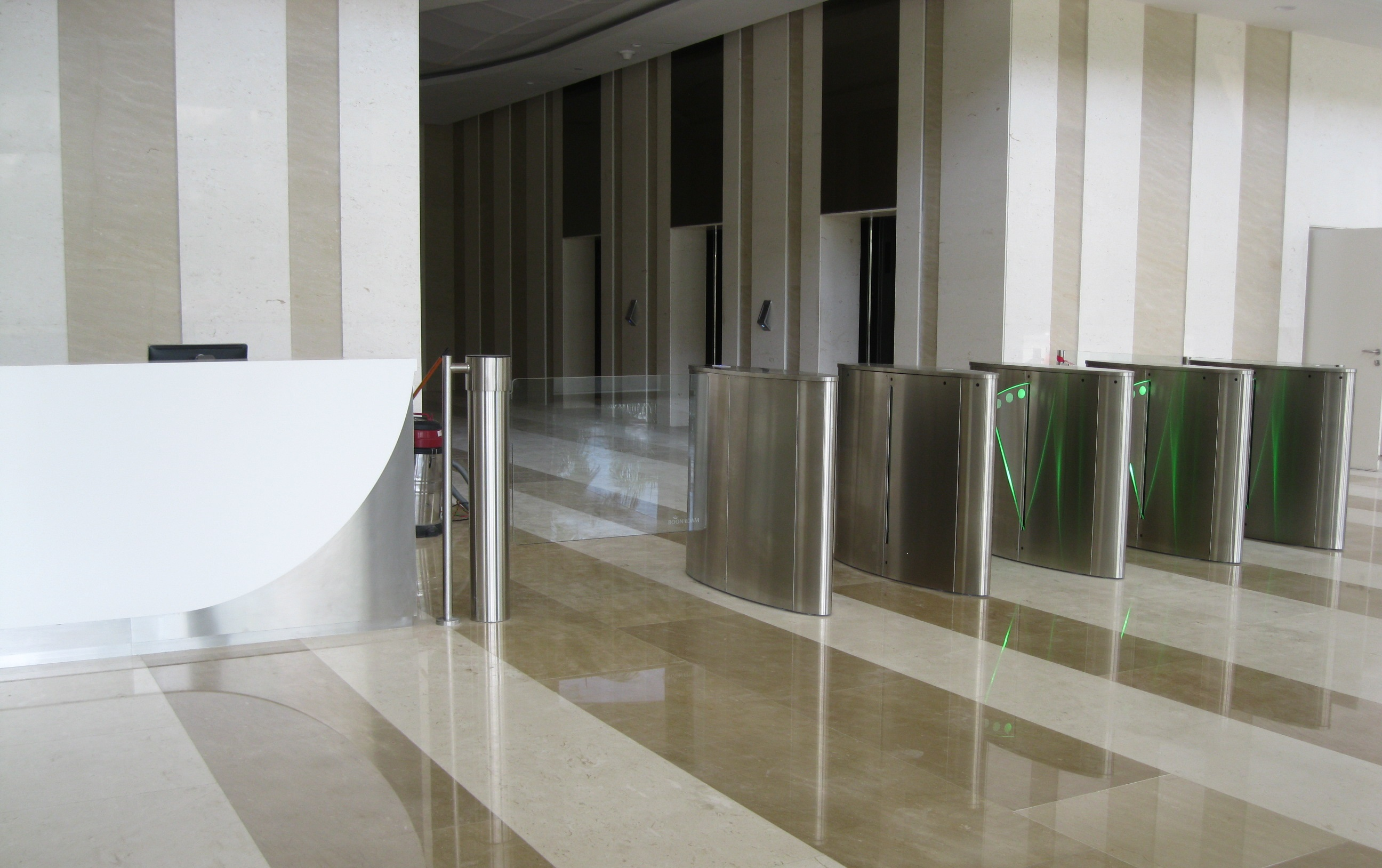 IOI City Tower - Lift Lobby (2)